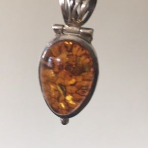 Jewelry - Large refractive amber pendant sterling setting